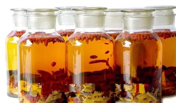 红枣泡酒的功效