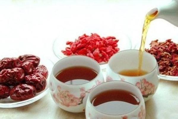 红枣桂圆枸杞茶喝了上火吗