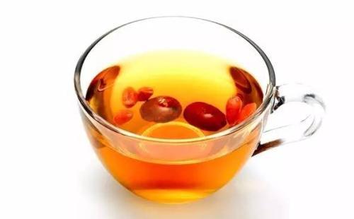红枣泡水的吃法