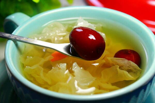 银耳红枣汤的禁忌