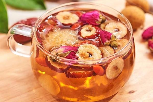 枸杞红枣玫瑰花茶