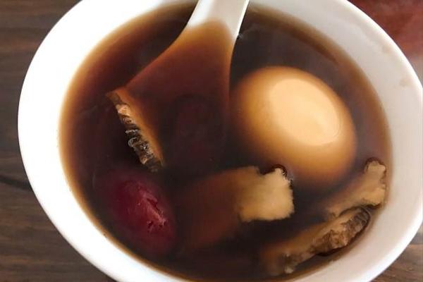 当归红枣鸡蛋红糖水的做法