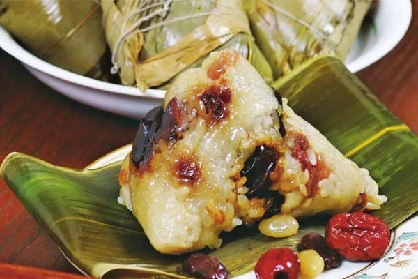 蜜豆小枣什锦粽子的做法