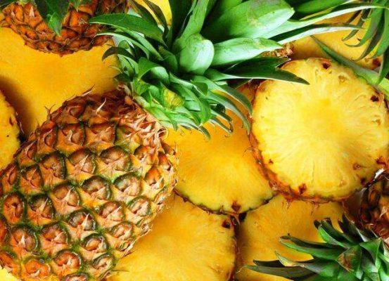 菠萝:改善皮肤干裂,消除斑点