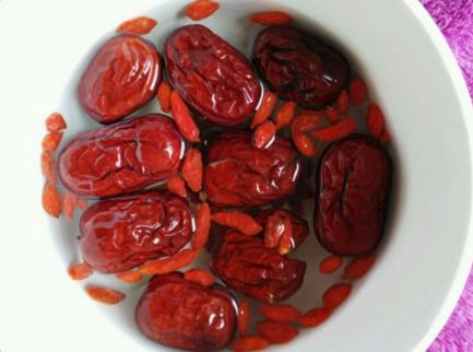 红枣枸杞泡水喝有什么好处
