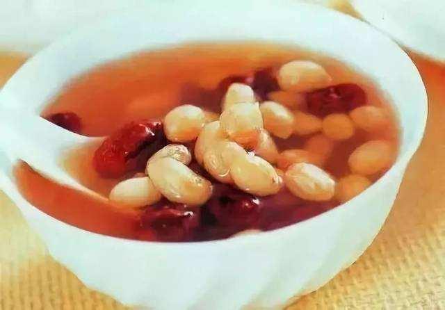 花生红枣煮水的功效