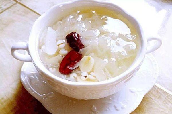 莲子百合汤